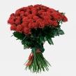 Классический букет из 101 красной розы, перевязанный лентой