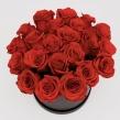 Черная шляпная коробка с красными розами, D 18 см