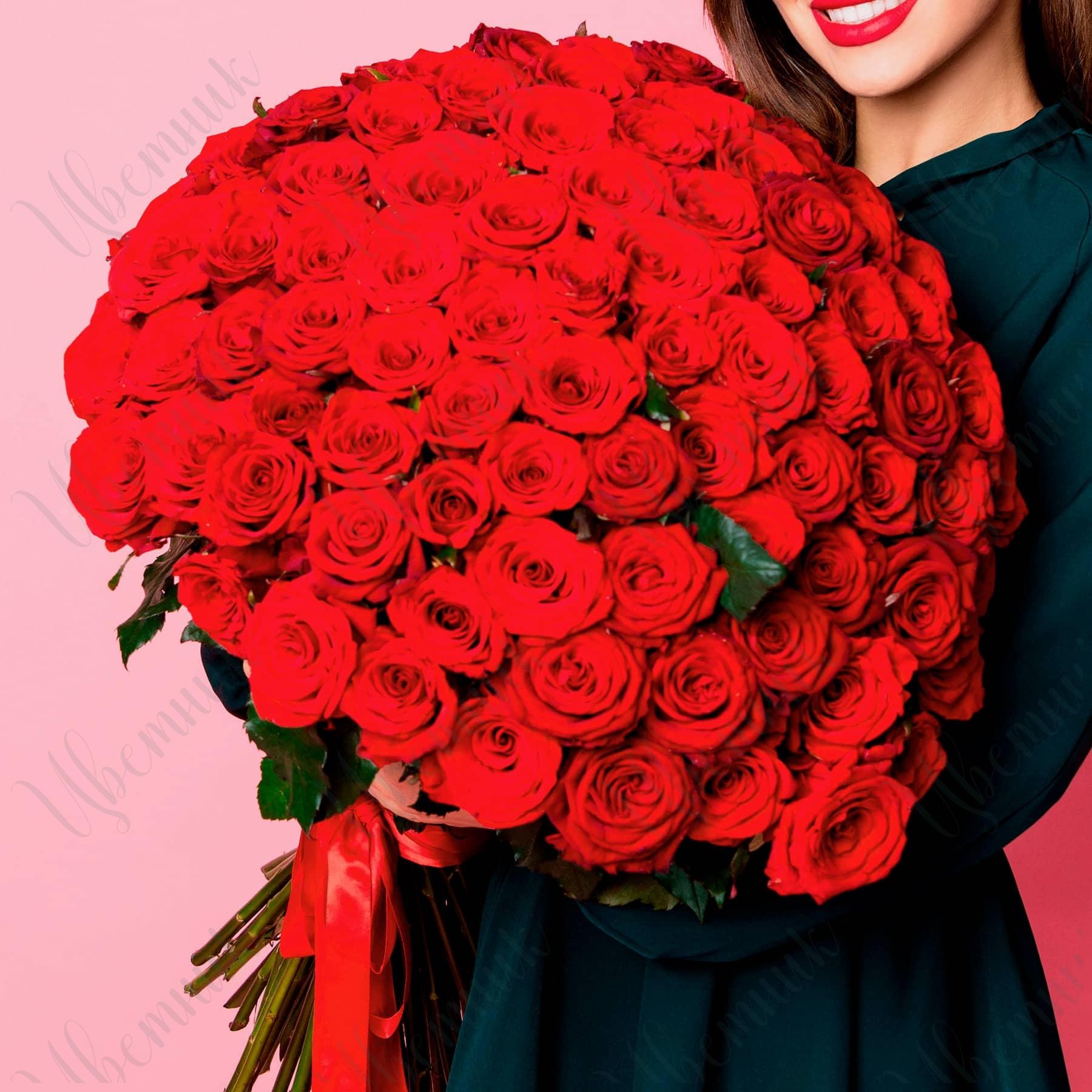 Букет из 101 красной розы высотой 60 см
