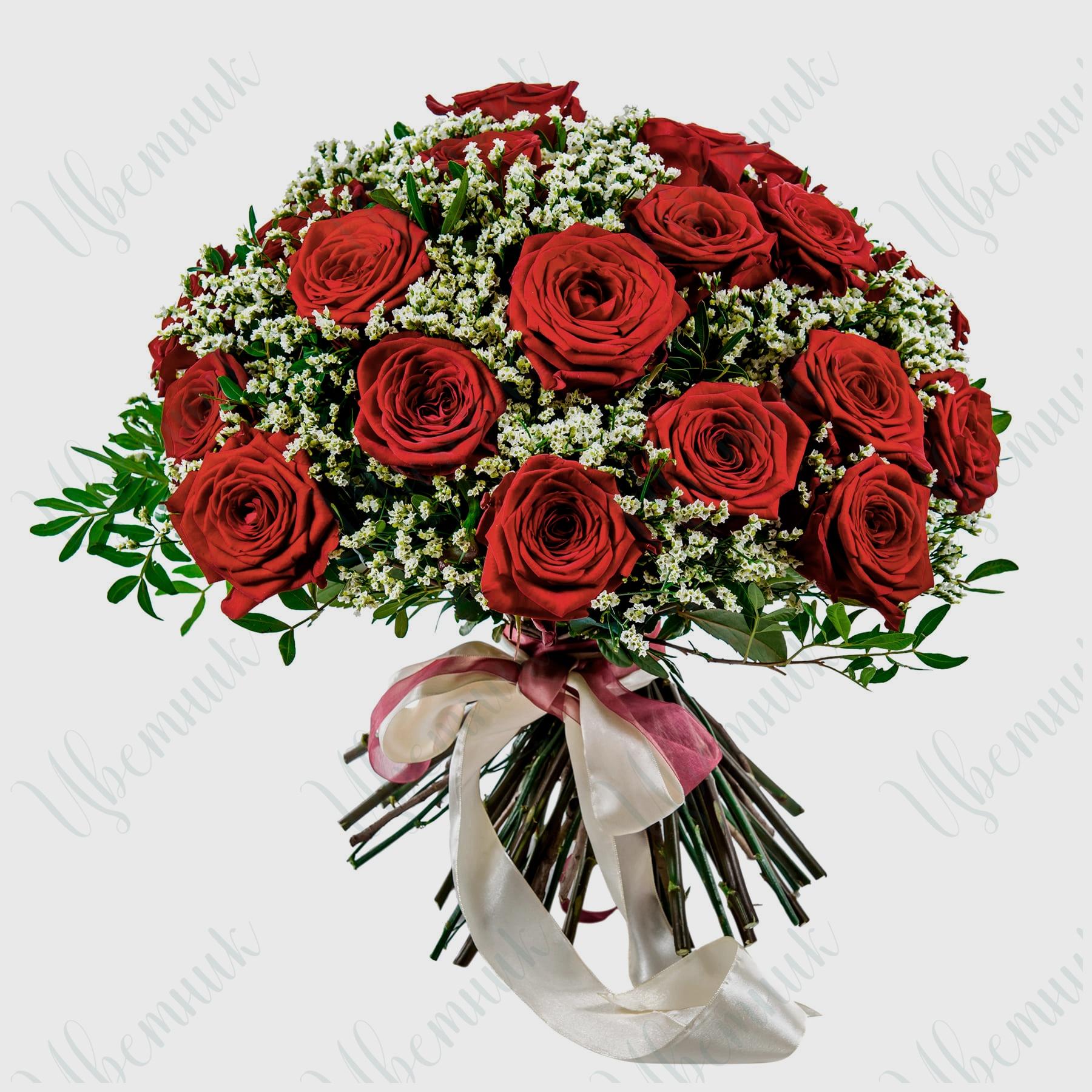 Букет из красных роз и лимониума