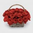 Корзинка из 31 красной розы