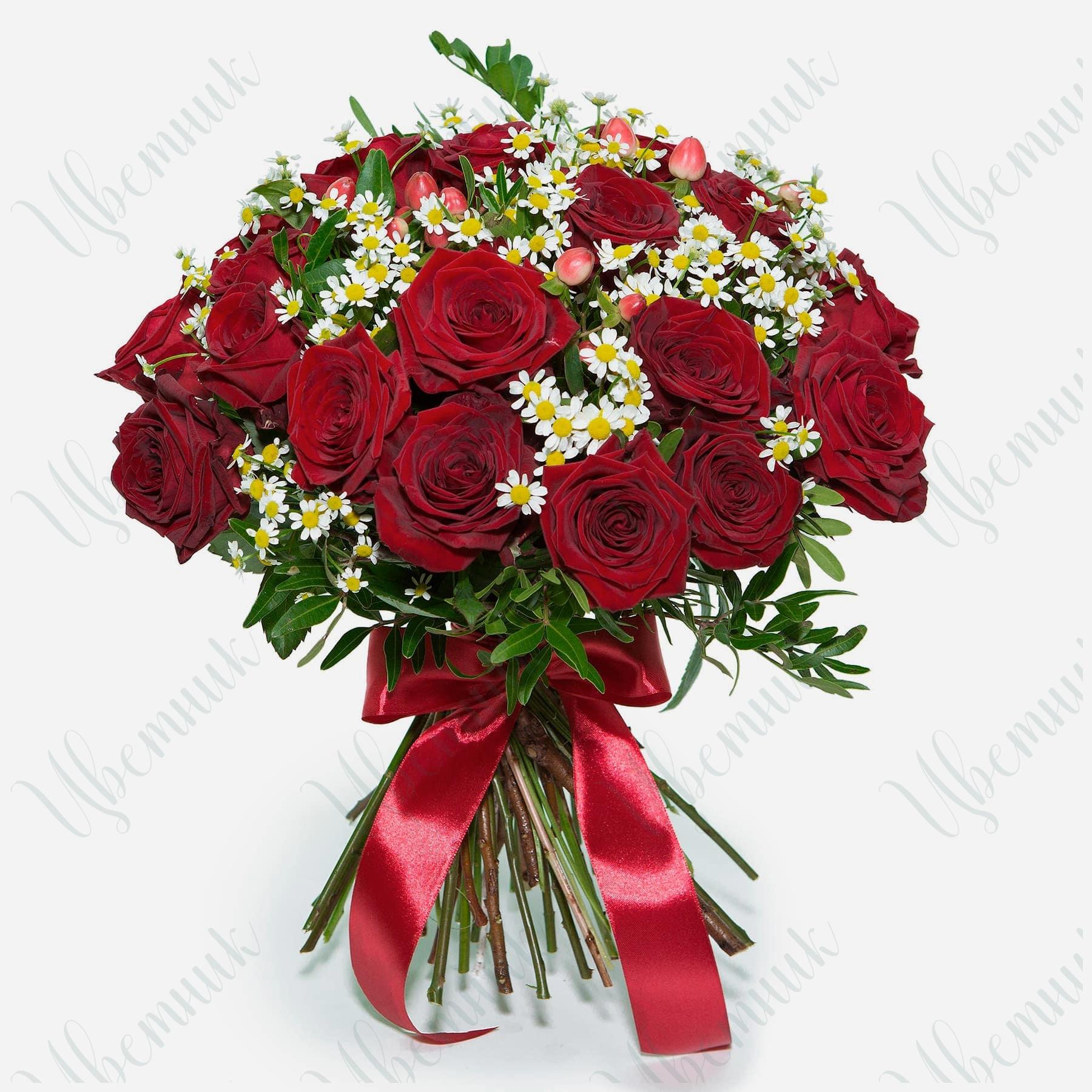 Букет из Красных роз и ромашек