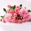 Букет-комплимент из кустовых и одноголовых роз