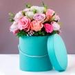 Шляпная коробка из ассорти роз и эустомы