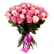 Букет из 51 сиреневой и белой розы