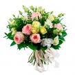 Летний букет из садовых роз и эустом с зеленью