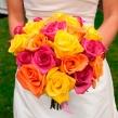 Яркий букет невесты из роз